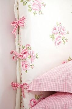 blossoms & bliss - pink headboard cover in shabby chic white with pink roses and gingham ties at the sides - sweet! Purple Home, Girls Bedroom, Bedroom Decor, 60s Bedroom, Design Bedroom, Bedroom Bed, Headboard Cover, Pink Headboard, Headboard Makeover