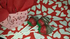chocolate covered strawberries cake pops