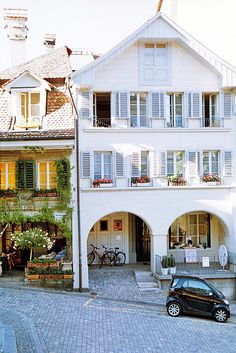   ♕   Lovely houses in Berne   by ©Dasha Riabchenko   via ysvoice