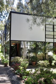 Photos: The Modern House