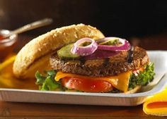 This classic American burger recipe is perfect for a July 4th BBQ #july4th