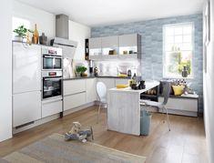Această bucătărie foarte contemporană, elegantă și rafinată este lăcuită în alb și albastru. Small Pasta, Homemade Pasta, Cuisines Design, Interior Design Kitchen, Household, Design Inspiration, Luxembourg, Table, Furniture