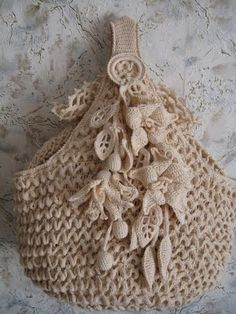 No instructions, just a beautiful crochet bag. Love Crochet, Beautiful Crochet, Irish Crochet, Crochet Flowers, Knit Crochet, Vintage Crochet, Crochet Crafts, Yarn Crafts, Crochet Projects