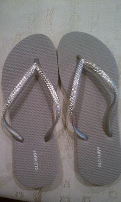 c64e553db264  REAL Swarovski Crystals on Silver Flip Flops Size 8.  19.99