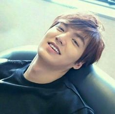 Lee Min Ho 💖 ♥ He totally raised the bar for the meaning of CUTE to another level lol Boys Over Flowers, New Actors, Actors & Actresses, Asian Actors, Korean Actors, Lee Min Ho Smile, Lee Min Ho Wallpaper Iphone, Le Min Hoo, K Pop