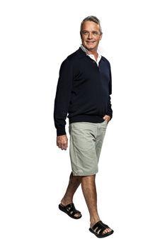 Dongnae Black Men - Der kyBoot hat die erste Sohle der Welt, die den Fuß jede Feinheit des Bodens ertasten lässt. Ihre Fußrezeptoren werden Schritt für Schritt sanft stimuliert. Auf Kies oder Kopfsteinpflaster kommt diese Weltneuheit am besten zur Geltung. Ab ($340) gibt es verschiedene Modell für Männer und Frauen in den Schuhgrößen von 34 1/3 - 49.