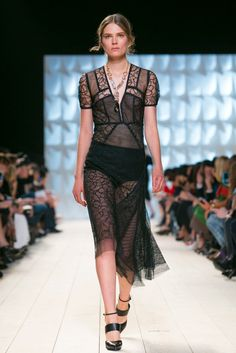 A look from the Nina Ricci Spring 2015 RTW collection.