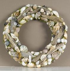 17 Hot DIY Summer Wreaths - collected by TwoPlusCute.com: driftwood-seashell-wreath