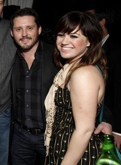 Congrats to Kelly Clarkson and Brandon Blackstock on their engagement. it's about time she has someone. Im happy for her.