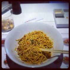 @mark_sanjuan: Hoy... UDON!! #udon #yakisoba #noodles #viernes