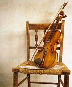 violines pintados - Buscar con Google