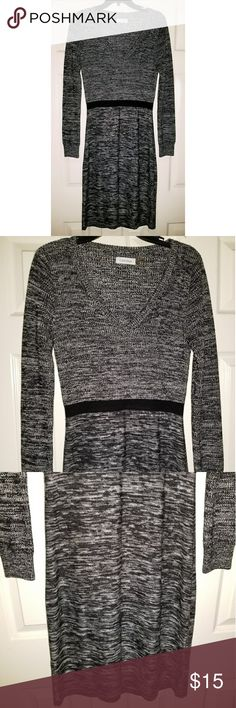 Calvin Klein Sweater Dress Black/White Marled Calvin Klein Sweater Dress  Black/White Marled Print  Long Sleeve; SIze Medium  *Pre-Owned...Great Condition! Calvin Klein Dresses Long Sleeve