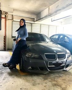 Image may contain: 1 person, car Arab Girls Hijab, Girl Hijab, Beautiful Muslim Women, Beautiful Hijab, Cute Asian Girls, Beautiful Asian Girls, Muslim Fashion, Hijab Fashion, Muslim Beauty