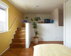 子ども部屋 ロフト|注文住宅のアキュラホーム Floor Design, Bed Design, House Design, Bedroom Loft, Loft Beds, Tiny Spaces, My Room, Space Saving, Home Projects