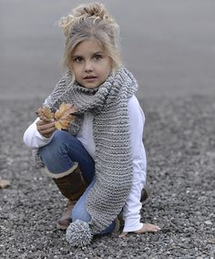 Ravelry: Tussock Scarf pattern by Heidi May Velvet Acorn, Baby Knitting, Crochet Baby, Knit Crochet, Baby Girl Fashion, Courses, Knitted Hats, Knitting Patterns, Kids Outfits