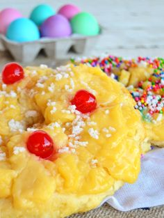 Rosca de pascuas / Tres Tenedores Cake Recipes, Dessert Recipes, Desserts, Pan Dulce, Crazy Cakes, Pastry And Bakery, Macaroni And Cheese, Sweet Tooth, Brunch
