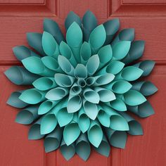 Paper Dahlia Flower Wreath -  FINALLY a tutorial for this.  Yay!