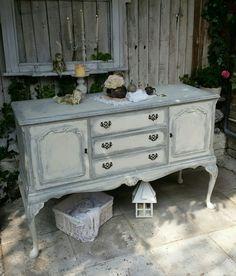 Beautiful Romantic Sideboard in Annie Sloan