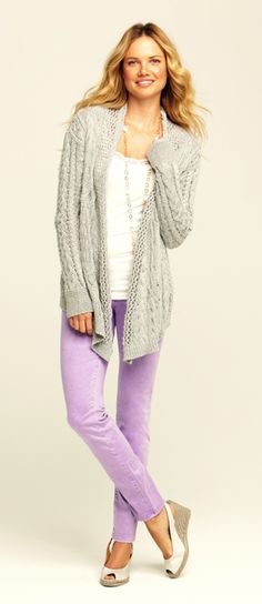 summer sweater and lavender pants. LOVE the purple pants! Purple Pants Outfit, Purple Jeans, Color Pants, Outfit Ideas, Casual Outfits, Cute Outfits, Work Outfits, Office Outfits, Colors