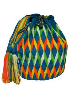 Wayuu Mochila Bag MW-6056 by ACROSS THE PUDDLE