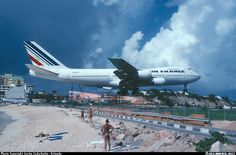 Boeing B 747-228 Caribbean,island St. Maarten, Princess Juliana International Airport