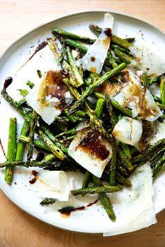 Asparagus Pizza, Roast Asparagus, Asparagus Salad, Asparagus Recipe, Vegetable Side Dishes, Vegetable Recipes, Food Print, Salad Recipes, Cooking Recipes