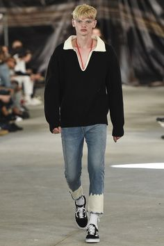 Off-White Spring 2017 Menswear Collection Photos - Vogue   DIY : bleach the bottom of your jeans and then unpick the hems.