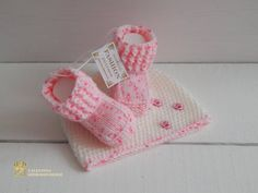 This is the colors overflow newborn prop set! Adorable crocheted booties and beanie are made with ultra soft wool&acrylic yarn that is super comfy for newborn babies. size months Made to order - 1 - 2 days More set! Rhinestone Shirts, Crochet Baby Shoes, Evening Outfits, Newborn Photo Props, Baby Booties, Baby Hats, Cool Gifts, Baby Knitting, Knitted Hats