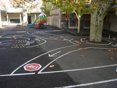 Cours des Maternelles Playground Painting, Playground Games, Outdoor Playground, Lanscape Design, Paint Bike, Pumpkin Farm, Outdoor Classroom, Outdoor Learning, Backyard For Kids