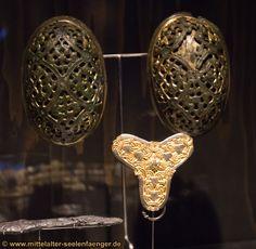 Original viking jewelery - turtle broches - nationalmuseum copenhagen 2013 - temporary exhibition (VIKING)