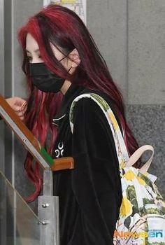 Hair Color Streaks, Hair Dye Colors, Emo Hair Color, Red Hair Inspo, Dye My Hair, Dyed Red Hair, Aesthetic Hair, Retro Aesthetic, Aesthetic Food