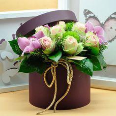 Mor Kutu Concept  Kullanılan Malzemeler: Gül, Orkide Kandile ve Dekoratif Kutu