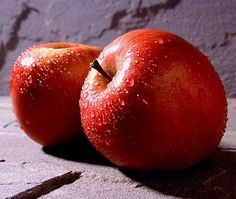 Яблоки — самый популярный фрукт (полезные свойства яблок)
