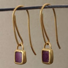 Jewelry Making Earrings Earrings, Natural flat amethyst square shaped, wrapped in gold. Metal Jewelry, Jewelry Art, Silver Jewelry, Jewelry Accessories, Fashion Jewelry, Silver Necklaces, Antique Jewelry, Silver Pendants, Diamond Jewelry