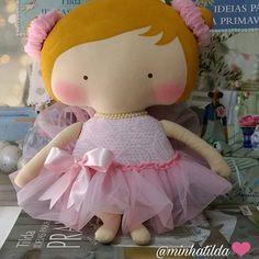 Toy Bailarina #tilda #tildinha #tildatoy #bonecadepano #tildatoys #feitocomamor  #feitocomcarinho #mãedemenina #gravidez #coisasdemenina #maternidade #fofura  #chádebebê #decoração #doll #dolls #tildaworld #costurinhas #princesas #newborn #atelie #artesanato #recemnascido #futuramamae #tonefinnanger