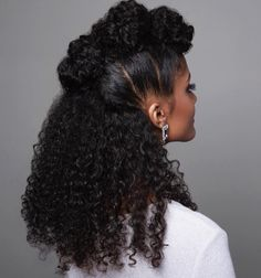 The Natural Hair Cheat Sheet! 20 Mind Blowing Ways to Grow Your hair! - The Blessed Queens - The Natural Hair Cheat Sheet! 20 Mind Blowing Ways to Grow Your hair! – The Blessed Queens Beauty in earthen tones…. Natural Hair Inspiration, Natural Hair Tips, Natural Curls, Natural Beauty, Natural Black Hair, Braid Out Natural Hair, Queen Hair, Tips Belleza, Afro Hairstyles
