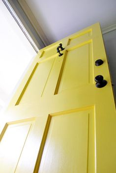 Very detailed step-by-step instructions for painting front door. Best primer, paint, brushes, process, etc. Hello new front door! Eames Design, Old Yeller, Best Primer, Yellow Doors, Painted Front Doors, Young House Love, Ideias Diy, Home And Deco, Do It Yourself Home