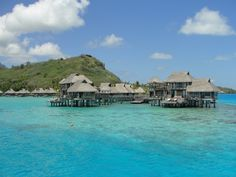Yes, the water really is that blue - Go to Tahiti and see for yourself. It's a once in a lifetime experience :)