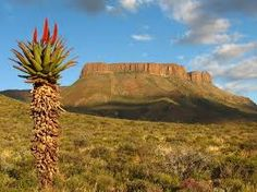 Karoo - semi-dessert.  South Africa South Afrika, Namibia, Out Of Africa, Belleza Natural, Continents, Live, Monument Valley, Beautiful Places, Scenery