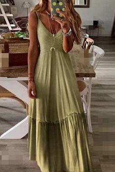Details: Material: Polyester SIZE(IN) Bust Waist Length S 32.3 27.6 55.9 M 33.9 29.1 56.3 L 35.4 30.7 56.7 XL 37.0 32.3 57.1 XXL 38.6 33.9 57.5 Moda Boho, Hippie Dresses, Boho Dress, Boho Maxi Dresses, Maxi Dress Styles, Cute Hippie Outfits, Hippy Dress, Boho Style Dresses, Strappy Maxi Dress