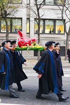 Boars Head Parade, City of London British Traditions, London City, Pigs, England, Traditional, Street, Fashion, London, Moda