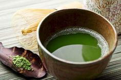 2 Minutes to a Better Metabolism -It has great antioxidant and anti-inflammatory properties. Enjoy matcha green tea cold – cold beverages require your body to work harder, burning more calories. For a metabolic boost, aim for 3 cups a day.