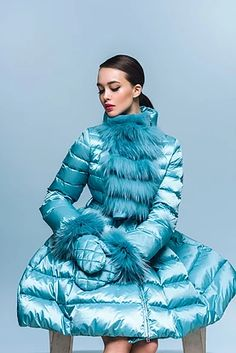 NAUMI - премиальные женские пуховики Bomber Jacket Outfit, Rainbow Fashion, Winter Chic, Snow Suit, Young Fashion, Down Coat, Fur Collars, Winter Wardrobe, Mantel