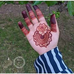 Khafif Mehndi Design, Mehndi Designs For Kids, Rose Mehndi Designs, Henna Designs Feet, Latest Bridal Mehndi Designs, Indian Mehndi Designs, Mehndi Designs For Beginners, Modern Mehndi Designs, Mehndi Design Photos
