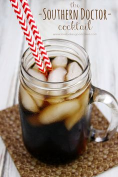 The Southern Doctor Cocktail is perfect for tailgating! By using Dr Pepper TEN, you have all of the flavors of this favorite drink, with less guilt and fewer calories! #drinkTEN #CollectiveBias #shop