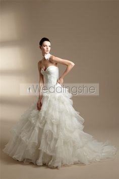 Sumptuous A-line Sweetheart Floor-length Chapel Pleats Wedding Dresses(Free Shipping)