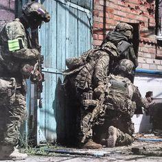 FSB Alfa team soldiers photo during summer anti-terrorist operation in Northern Caucasus. [640x640]
