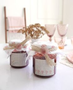 Scandinavian Inspired DIY Blush Tablescape and Decor for Fall - table setting and easy crafts and projects to dress a pretty autumnal table! #scandinavian #decor #tablescape #tabletop #tablesetting #blushtablescape #homedecor Festive Crafts, Easy Crafts, Fall Table Settings, Bird Party, Diy Décoration, Brunch, Craft Party, Wooden Diy, Decoration