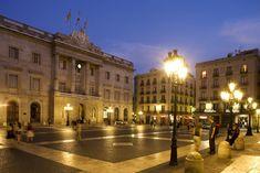 Plaza San Jaume. Barcelona, Catalonia #sanjaume #barcelonanight #gotico