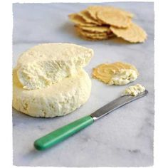 Fromage Facile (Easy Cheese) Impress your family and friends with this easy-to-make soft cheese, ready to serve in less than an hour. No Dairy Recipes, Real Food Recipes, Cooking Recipes, Yummy Food, Delicious Meals, Fun Recipes, Healthy Meals, Keto Recipes, Tasty